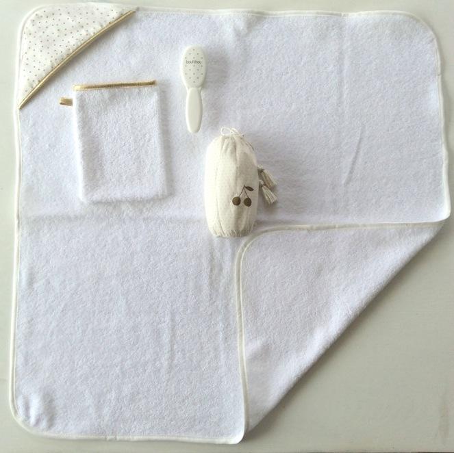 dansmabesace-cape-de-bain-blanc-pois-dore-5