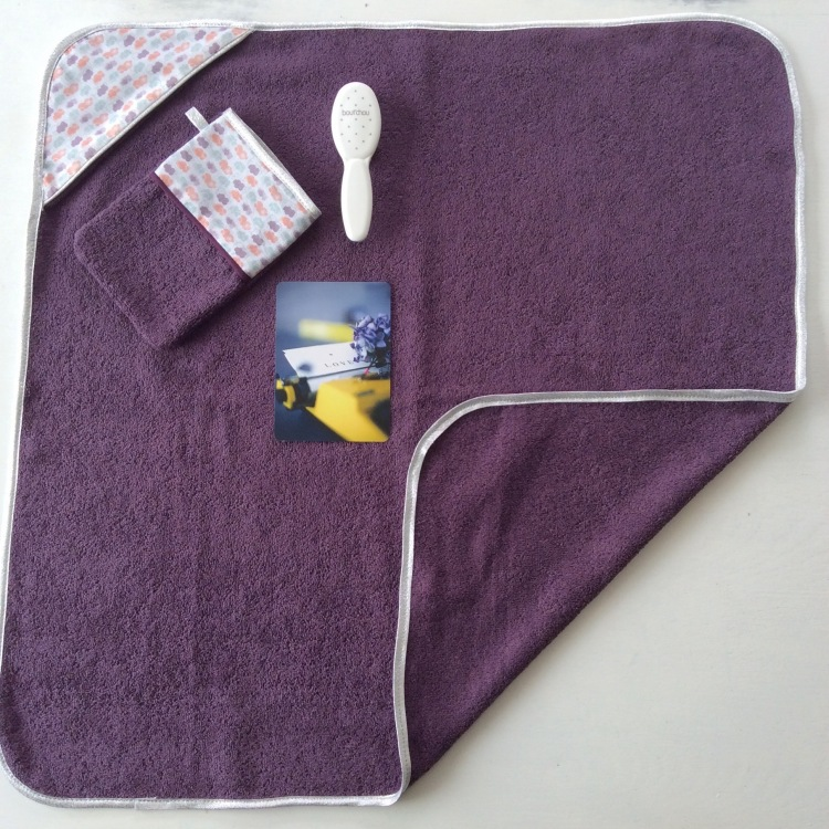 dansmabesace-cape-de-bain-nuages-violet-et-argent-3