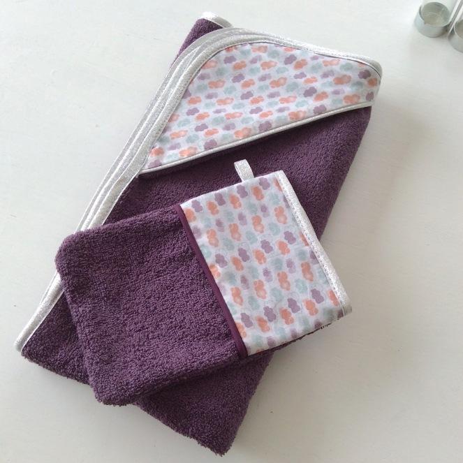 dansmabesace-cape-de-bain-nuages-violet-et-argent