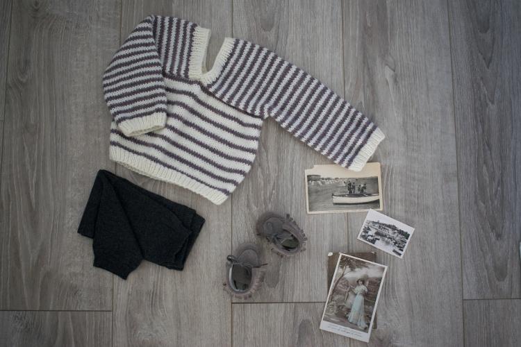 Dansmabesace - Petit moussaillon - Tricot pull jersey rayé blanc et violet.jpg