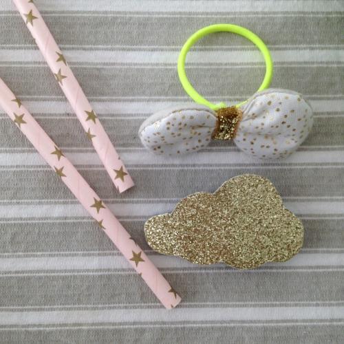 Dansmabesace - Premières Pâques - Broche à paillettes nuage et élastique doré