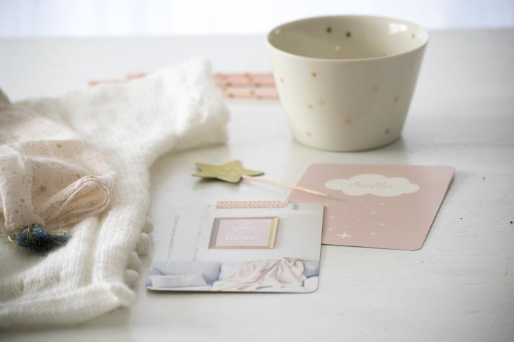 Dansmabesace - Partenariat Phildar - La petite robe blanche - Noppes et cartes postales.jpg