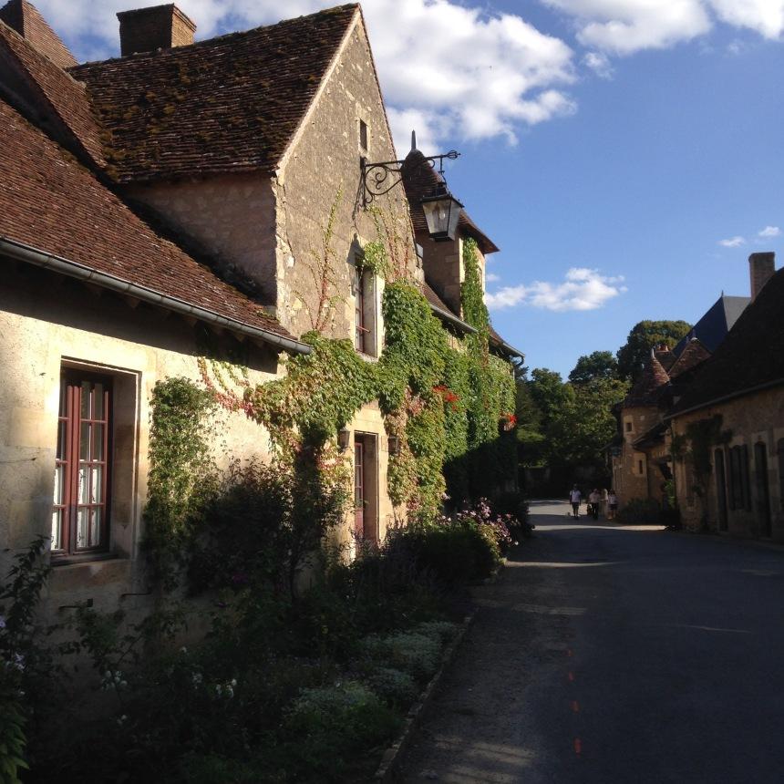 Dansmabesace - Slowlife - Village d'Apremont sur allier2