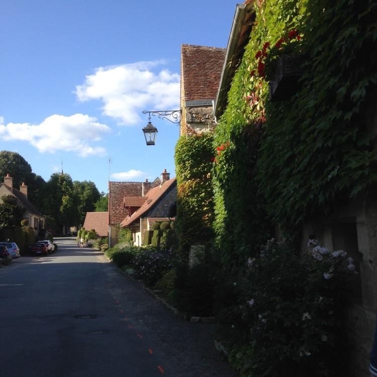 Dansmabesace - Slowlife - Village d'Apremont sur allier3