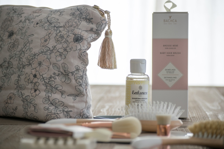 Dansmabesace - Slowlife Beauté - Bachca x Maison Margaret - Details trousse de toilette et box