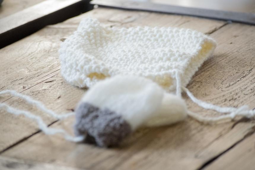Dansmabesace - Tricot - Zoom bonnet Restos du coeur